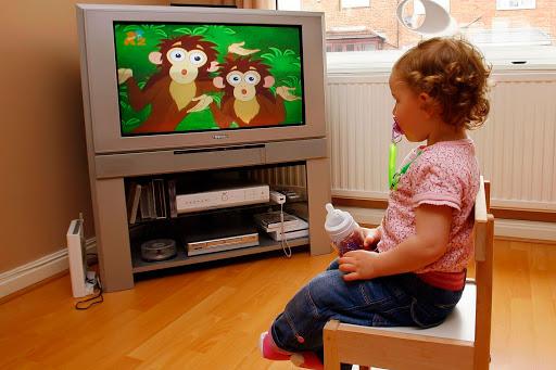 Технологии не во вред: 5 правил просмотра мультфильма с ребенком